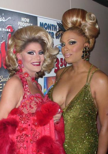 Ashley Kruiz and Amailia Black