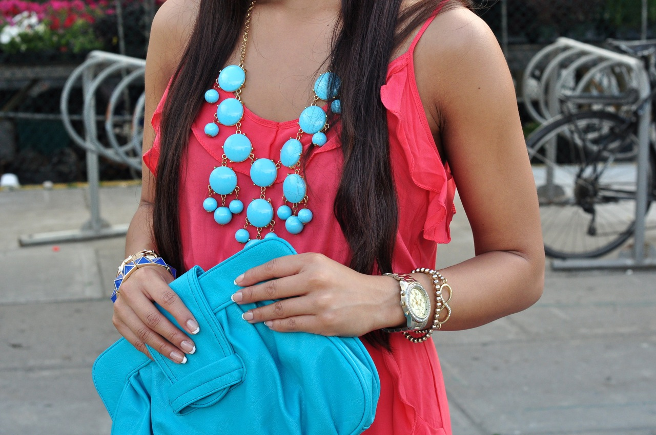 pink and blue color blocking, coral and blue color blocking, blue accessories, colour blocking