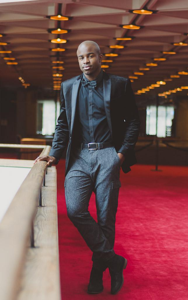 express-velvet-suit