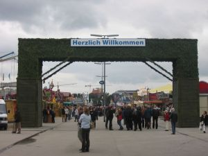 5 Helpful Tips For Visiting Oktoberfest in Munich, Germany
