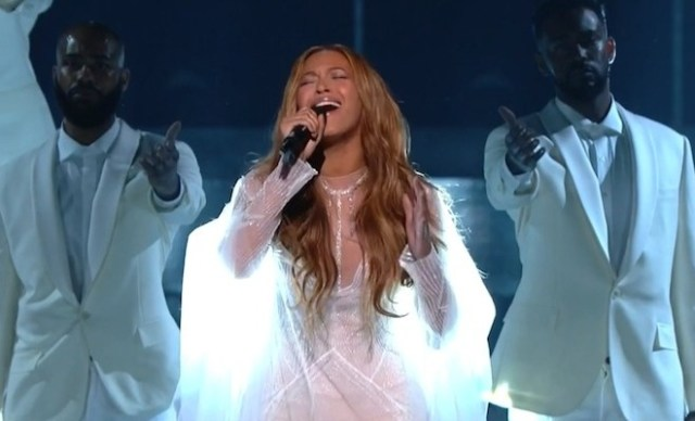 beyonce-57th-grammys-precious-lord-660x400