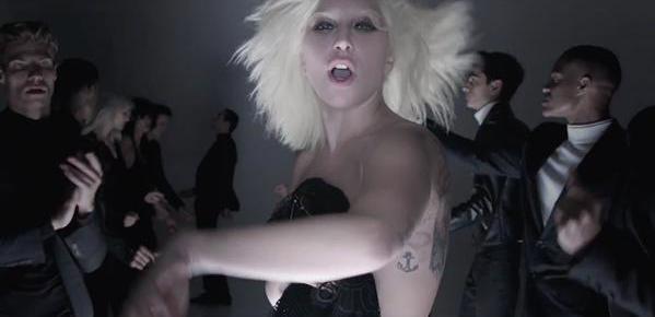 10/5/15 O&A NYC Fashion: Lady Gaga – I Want Your Love Tom Ford Spring/Summer 16