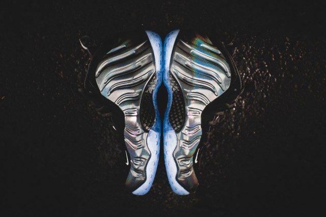 nike-air-foamposite-one-hologram-release-reminder-02