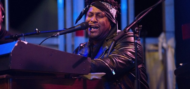 1/9/16 O&A NYC Saturday Morning Concert: D'Angelo at AFROPUNK FEST 2014
