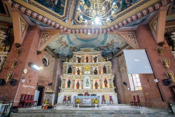 Sta. Церковь Крус в Мариндуке фото Аллана Агканаса через Flickr CC