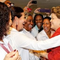 Dilma assina medida para prorrogar Mais Médicos até 2019