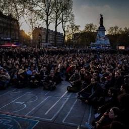 Trabalhadores e estudantes franceses acampam contra o neoliberalismo