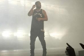 Drake 於 OVO Fest 上搶先著用自己設計的暴龍隊球衣!