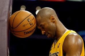 黑曼巴傳奇 / 精選 Kobe Bryant 多場高得分球賽與當天著用的 Kobe 鞋款!