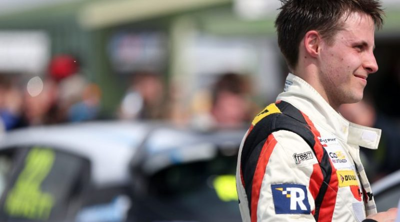 Mike Bushell (GBR) Team Pyro Renault Clio Cup