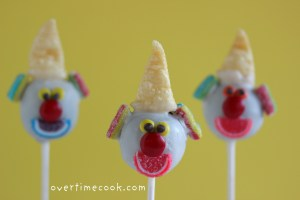 clown cake pops 10-