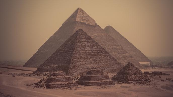 Pesquisadores confirmam duas anomalias nas pirâmides do Egito