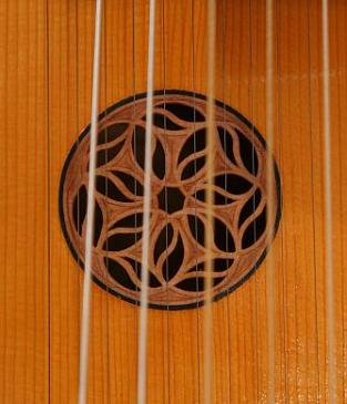 Classical baryton rose