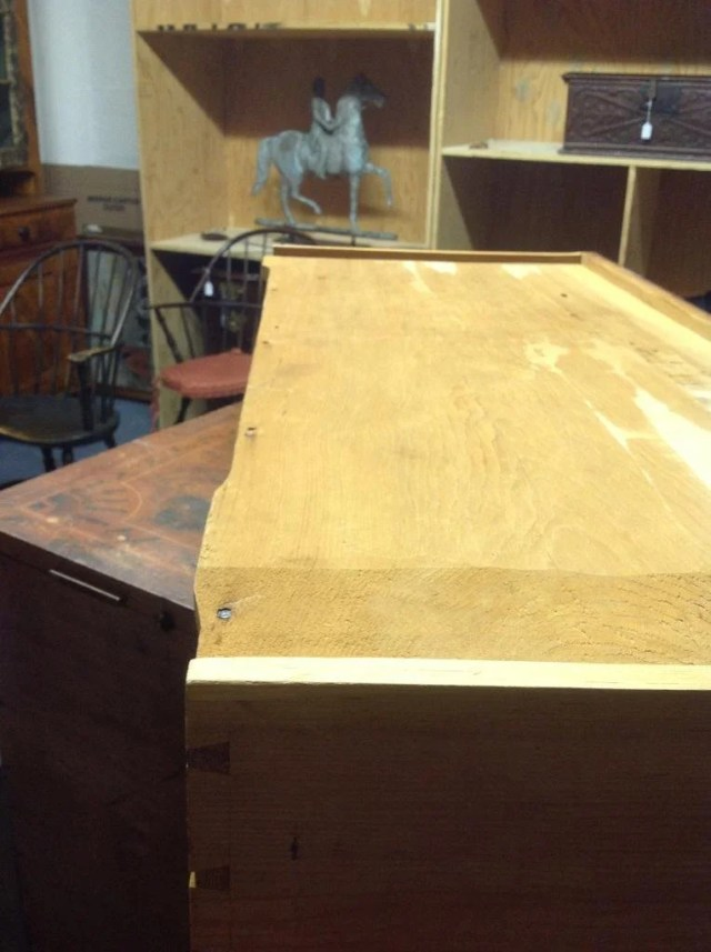 45: Federal Grain Painted Lift-Top Blanket Chest