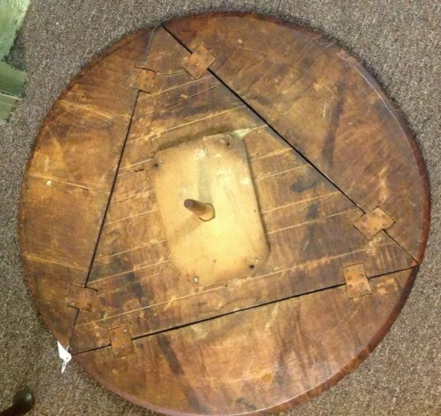 62: Queen Anne Tiger Maple Tri-Drop Leaf Table