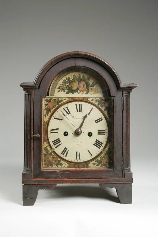 192:Mahogany Bracket Clock