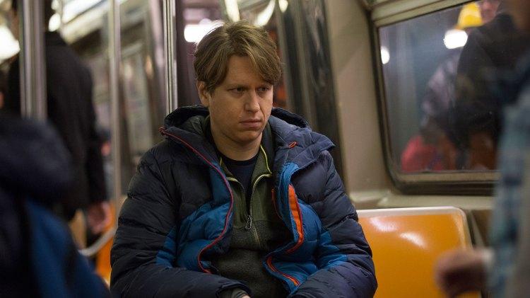 Om Pete ikke finner et sted å sove tar han t-bane hele natta. (Foto: HBO)