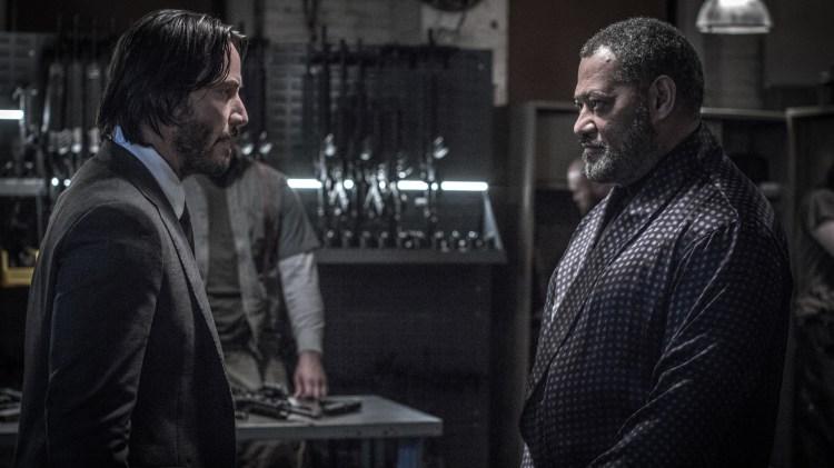 Blå pille eller rød pille? Det er uansett artig å høre Keanu Reeves og Laurence Fishburne snakke sammen i kinomørket igjen. (Foto: Nordisk Film Distribusjon AS)