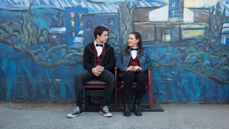 Clay og Hannah blir kjent gjennom en deltidsjobb på den lokale kinoen. (Foto: Netflix)