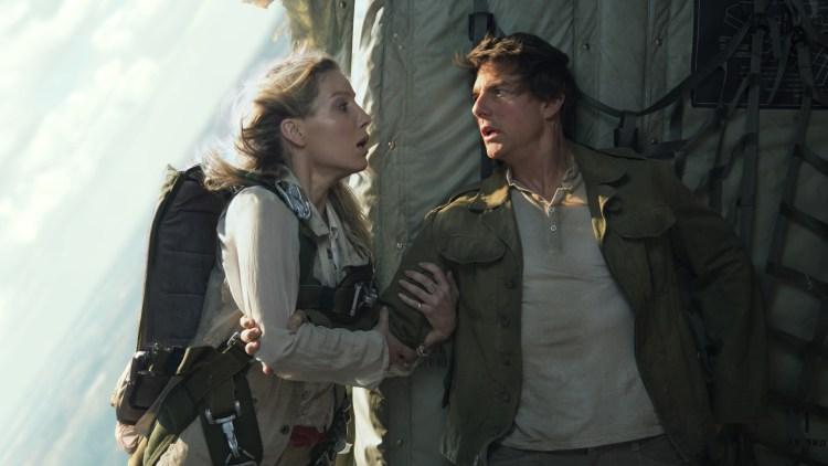 """Nick (Tom Cruise) og Jenny (Annabelle Wallis) blir satt i livsfarlige situasjoner i """"The Mummy"""". (Foto: United International Pictures)"""