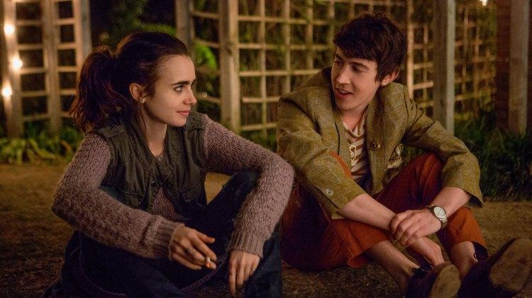 Eli og Luke møtes i behandlingshuset, og finner tonen etter hvert.(Foto: Netflix)