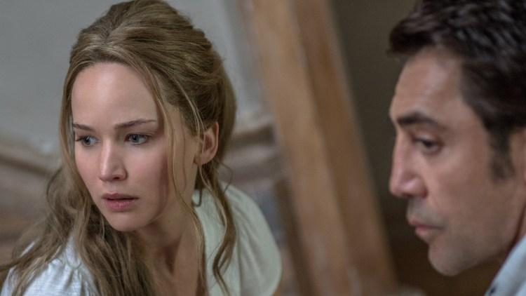 """Jennifer Lawrence og Javier Bardem spiller et ektepar med en viss aldersforskjell i """"Mother!"""" (Foto: United International Pictures)"""