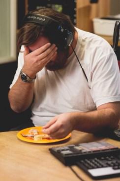 """Ronny er klar for """"tapas tallerken"""". Foto: Kim Erlandsen, NRK P3"""