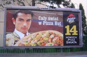 Pizza de Paella, con torero incluido es una campaña de una conocida multinacional en Polonia