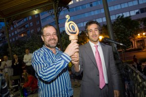 Miguel Pérez Sub�as, recoge la Arroba Ol�mpica.