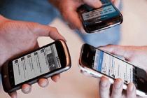 mobile-celular-varias-pessoa-usando