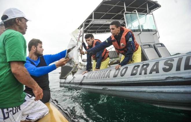 Marinha suspende buscas por sobreviventes de queda de avião do dona da Big sal
