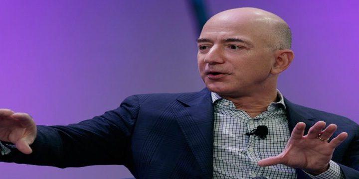 Jeff Bezos passa Buffett e se torna o terceiro maior bilionário do mundo