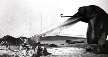 joseph-beuys_performance-coyote