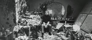 Francis Bacon in his studio, 7 Reece Mews, London Carlos Freire photo