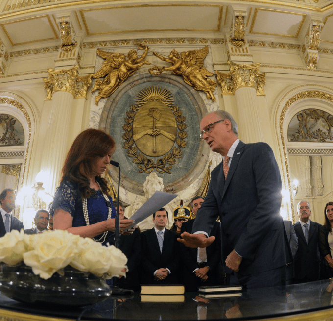 Daniel Gollán jura el 26 de febrero de 2015 como ministro de Salud de la Nación.