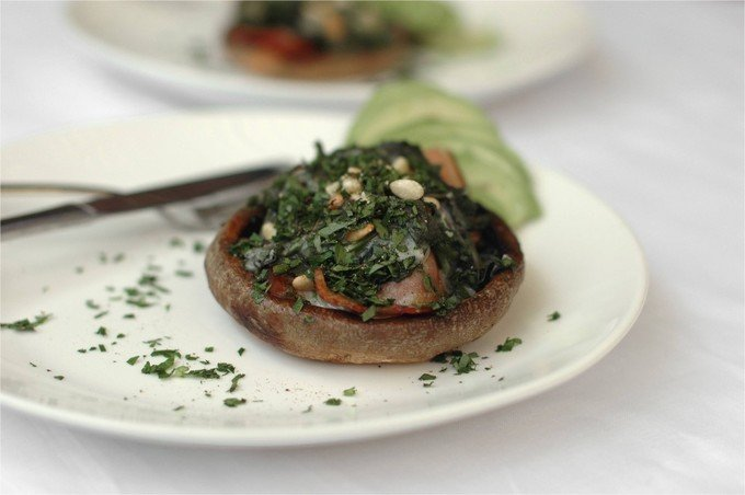 Paleo-Breakfast-Mushroom-Saucer-2-1024x681