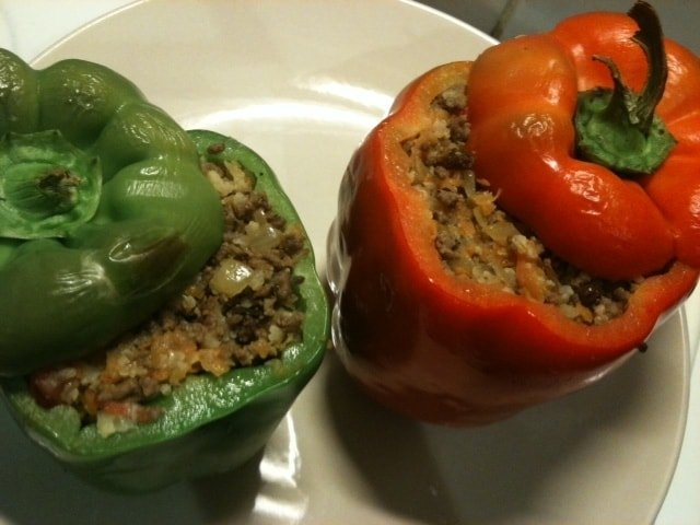 stuffed_capsicum_paleo_diet_recipe_bell_peppers_dinner_lunch_chicken_typical_day_paleo_meals-min