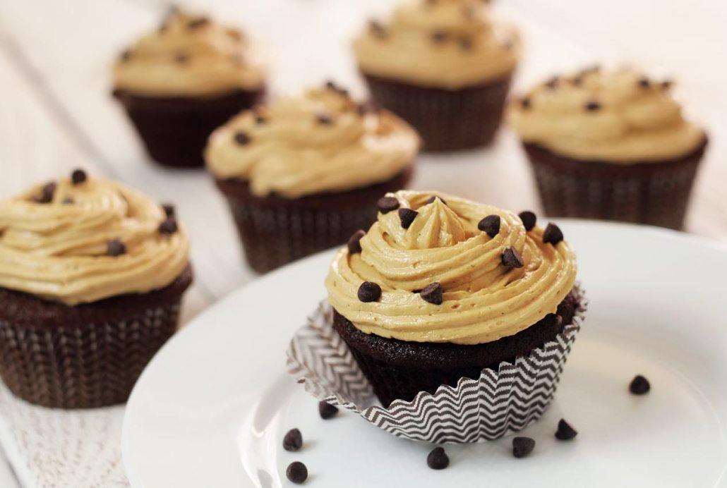 "Paleo Chocolate Cupcakes & ""Peanut Butter"" Frosting | Paleo Newbie"