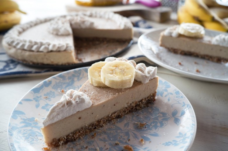 Paleo Banana Cream Cheesecake