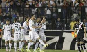 Palmeiras goleia Vasco por 4 a 1 e entra no G4
