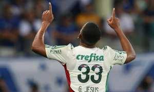 Gabriel Jesus faz golaço, Palmeiras derrota o Cruzeiro de novo e segue na Copa do Brasil