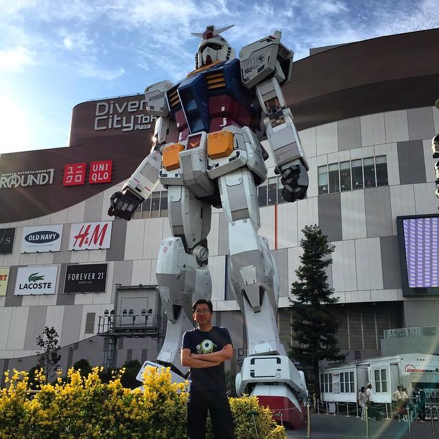 Gundam Robot - Riemer added for size