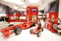 Image {focus_keyword} Ferrari Store nel leggendario circuito di Nurburgring 36699 2009714105351