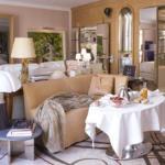 Image {focus_keyword} Cassina e Philippe Starck portano l'arte all'Hotel Le Royal Monceau 40067 20101210151924