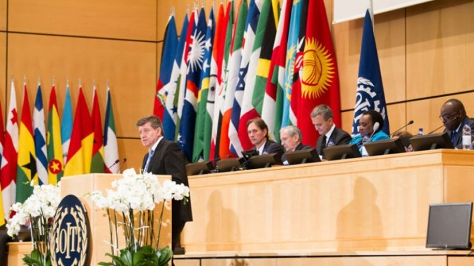 Umuyobozi Mukuru w'Umuryango mpuzamahanga wita ku murimo, Guy Ryder, ageza ijambo ku bitabiriye inama ya 105 ya ILO. (Photo/ILO)