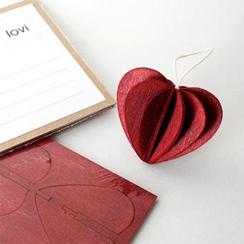 Anne Paso Lovi Birch Wood Postcard Heart