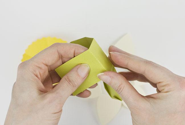 DIY Daffodil Egg Cups / Treat Boxes, Step 1
