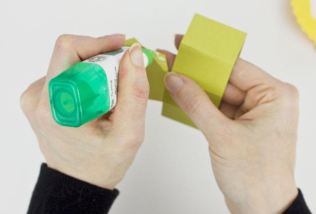 DIY Daffodil Egg Cups / Treat Boxes, Step 2