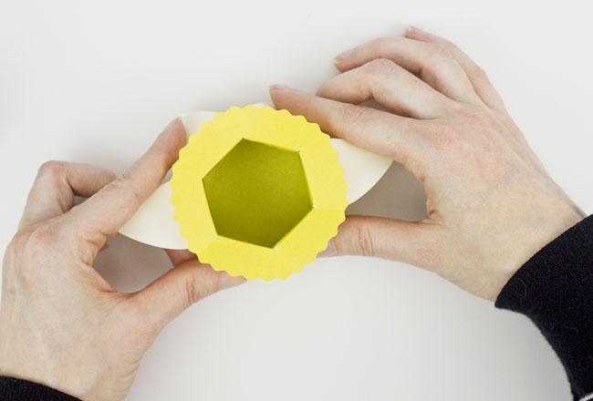 DIY Daffodil Egg Cups / Treat Boxes, Step 7