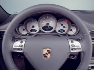 2007-porsche-911-turbo-cockpit-dashboard-588x441